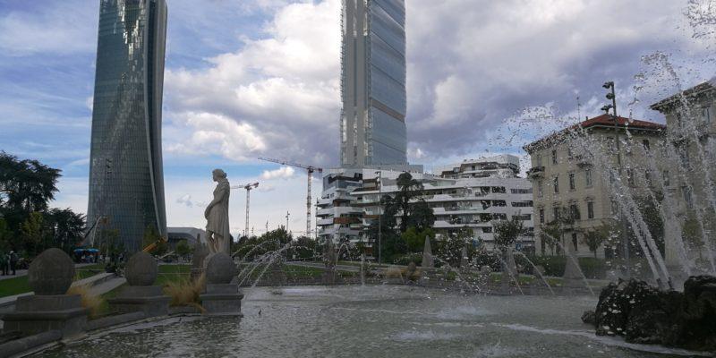 CityLife. Le torri e la fontana delle Quattro Stagioni