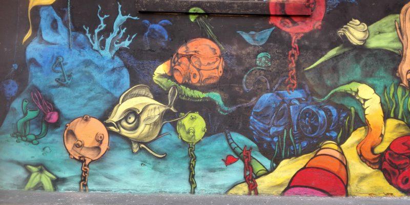 Il muro di graffiti di via Pontano